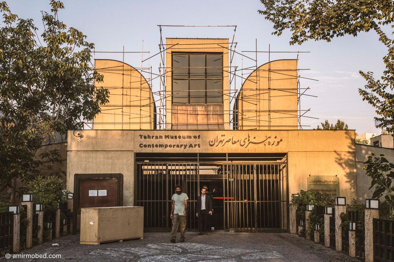 هفتمین بینال مجسمه، ۱۳۹۶، اجرا، داربست
